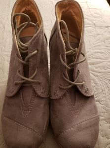 Chase and Chloe wedge boots